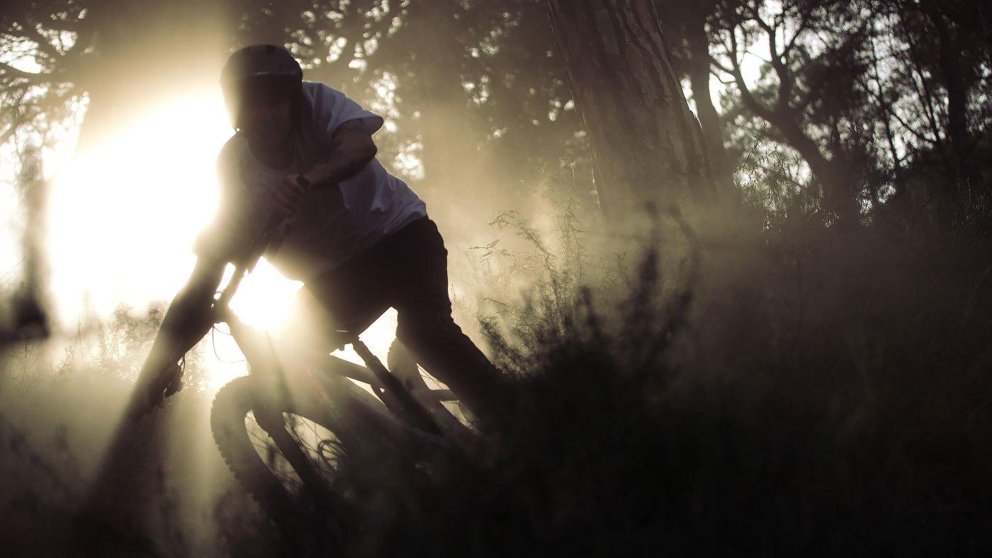 Giro cykelhjälm